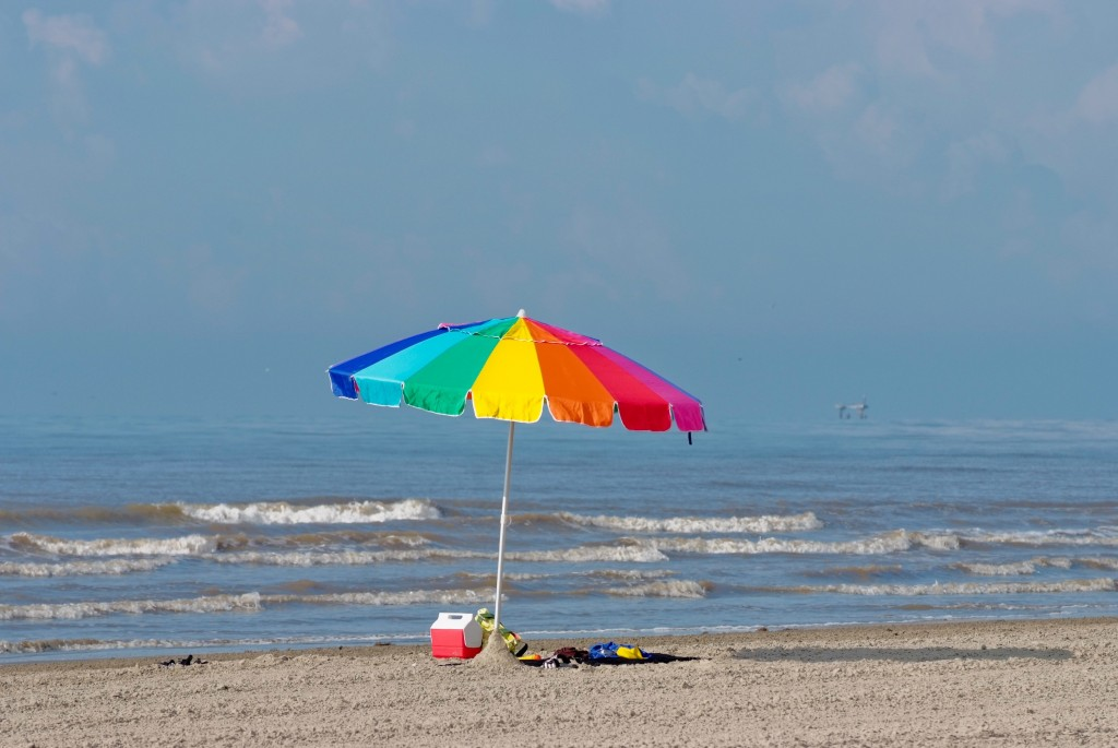 Beach_umbrella,_Texas_(5984381495)