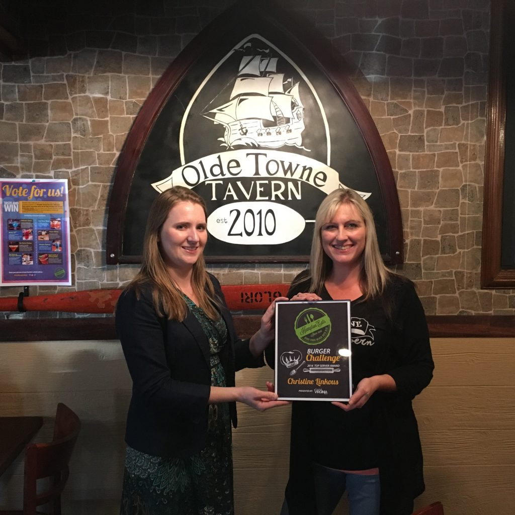 hampton-eats-challenge-winning-server-l-to-r-elizabeth-severs-of-the-hampton-cvb-and-christine-linkous-of-olde-towne-tavern
