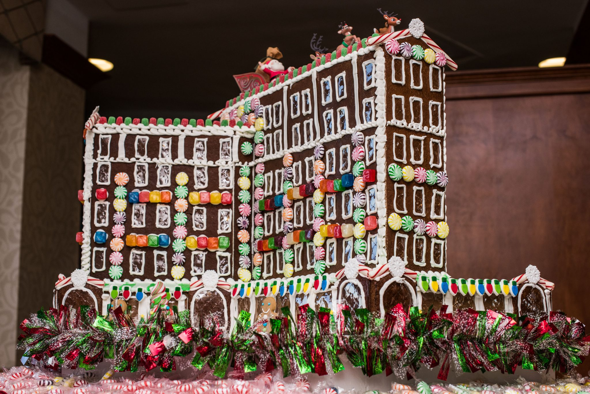 Local Chefs Build Gingerbread Replica Of Famous Cavalier